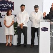 García visualiza los 10 millones de turistas