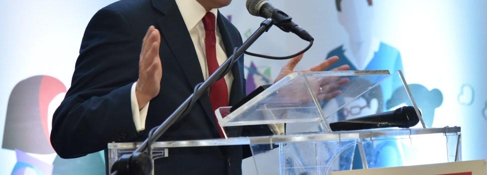 Navarro destaca importancia directores escuelas