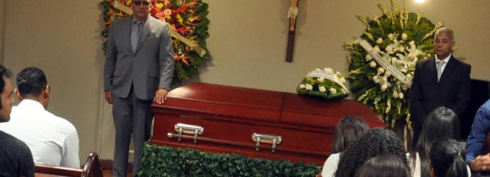 Velan restos de Raudy; no lo cremarán