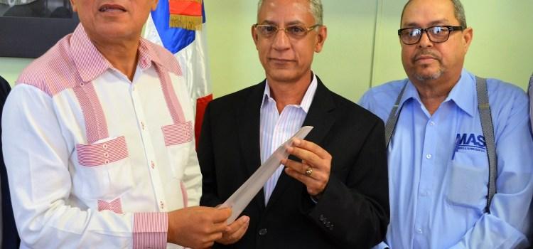 Danilo destina 100MM para acueducto Cienfuegos