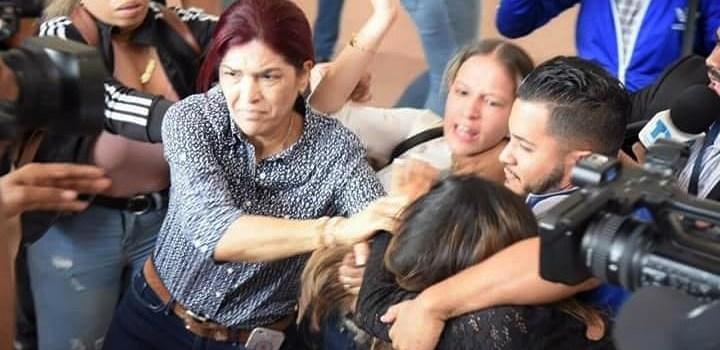 """Agredió periodista por """"emociones momento"""""""
