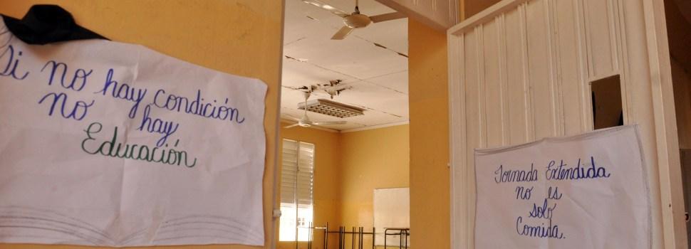 Ratones impiden impartan clases en escuela