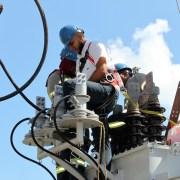 Trabajo mantenimiento en subestación Dajabón