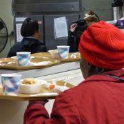 Garantizan comida gratis para los necesitados