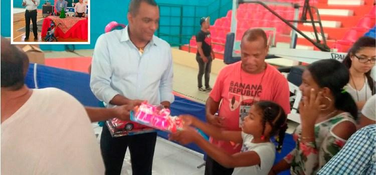 Fundación Carlos Gómez distribuye juguetes