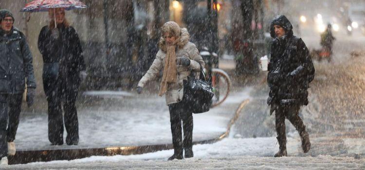Ola de frío afecta vastas zonas de los EEUU