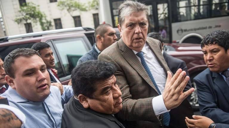 Expresidente Alan García intenta suicidarse