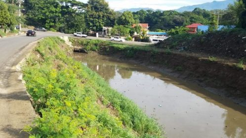 Canal de riego de Santiago