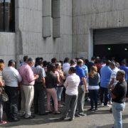 Santiagueros acuden a votar en primarias abiertas