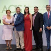 Farmacia El Sol recibe distinción entregó la ACIS