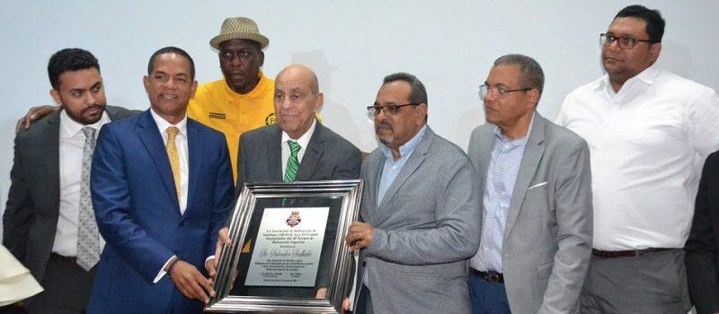 Dedican baloncesto a Salvador Sadhalá