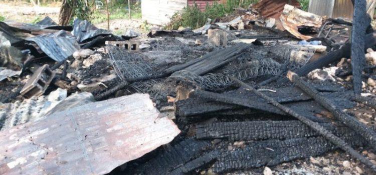 Se originan dos incendios en Villa González