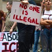Juez determina ilegalidad arrestos del ICE en cortes NY