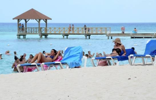 Ministerio Turismo detalla plan para dinamizar sector