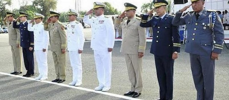 Abinader retira 61 oficiales de altos rangos