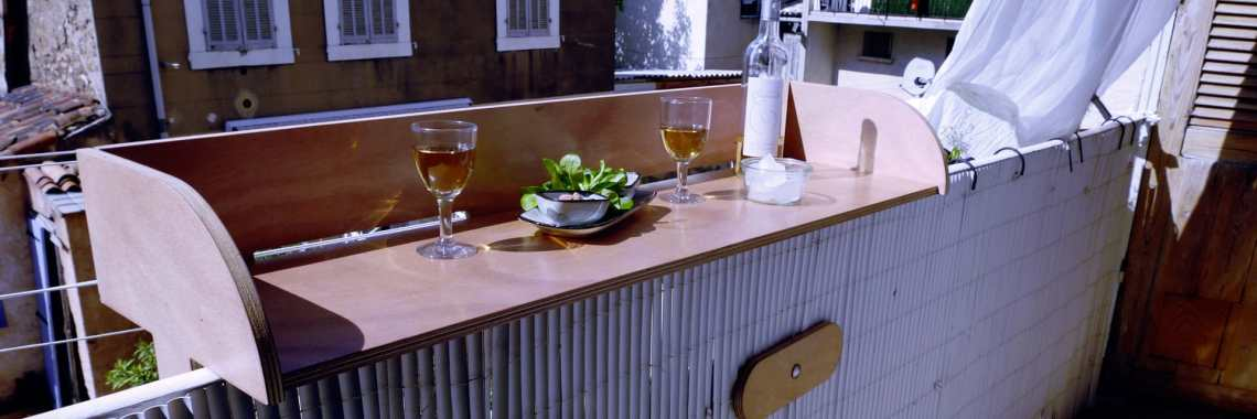 table bar à balcon