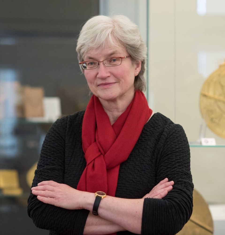 Dr Silke Ackermann