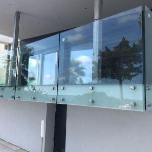 barandilla exterior de cristal