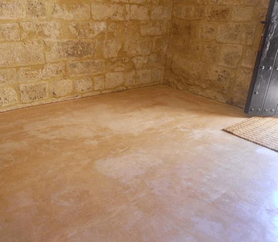 Acabados interiores: Suelo de yeso de albarracín