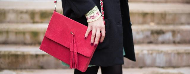 hm black coat suede red bag