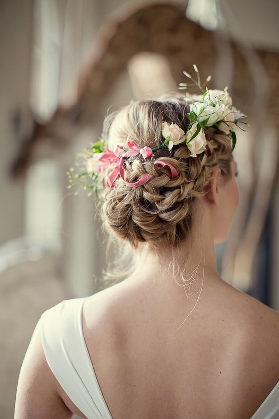 summer bridal hairstyle with flowers