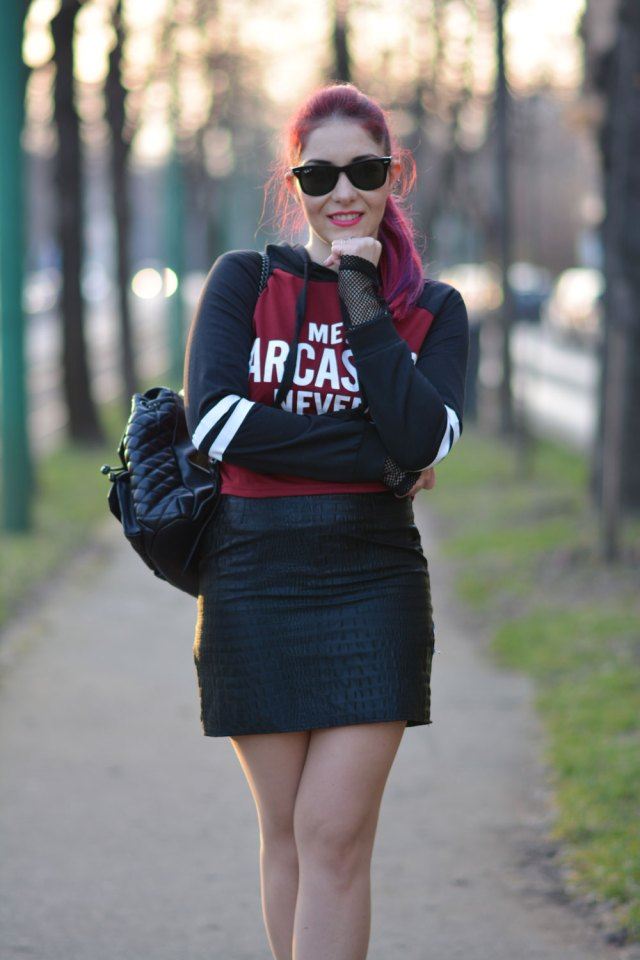 hooded crop top outfit