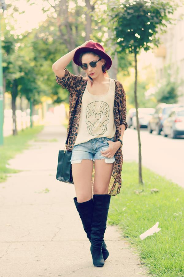 boho look with blue shorts