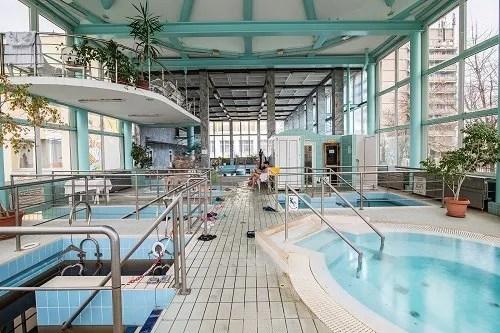 Fürdő csarnok wellness központ