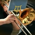 komolyzene, trombita