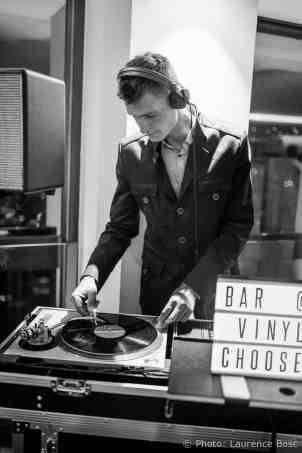 dj-bar-à-vinyles