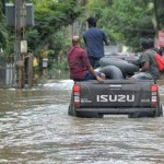 WORLD - Flood kills hundreds