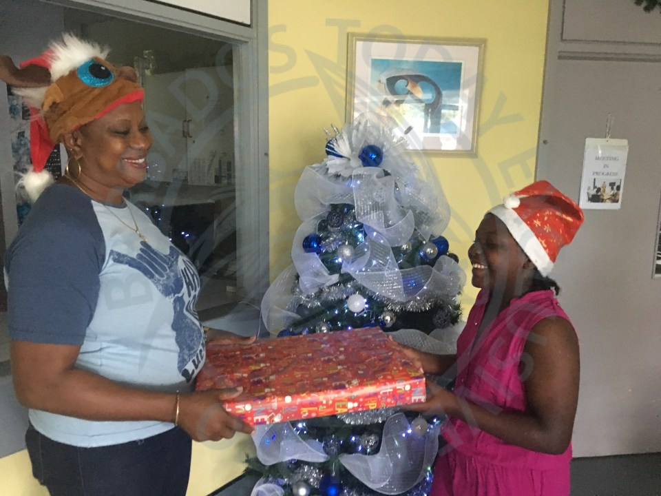 Bayview Hospital spreads Christmas cheer