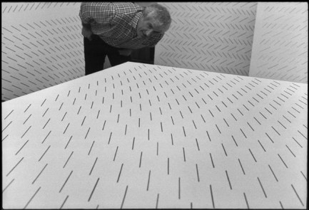 Mario Nigro, Milano, 1970. Fotografia di Ugo Mulas