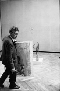 Ugo Mulas - Alberto Giacometti con una sua tela, XXXI Biennale d'Arte, Venezia,1962