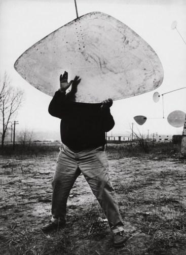Ugo Mulas, Alexander Calder, Roxbury, 1964 © Estate Ugo Mulas, Milano – courtesy Galleria Lia Rumma, Milano-Napoli