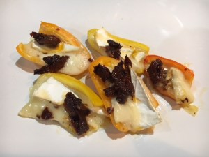 Sweet pepper and brie bites