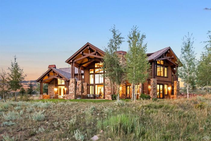 285 Aspen Meadows Road, Cordillera / SOLD $2,225,000 / 3.8.18 (Photo: LIV SIR)