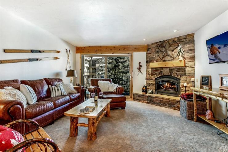 Avon Lake Villas M3,Avon / SOLD $460,000 / 2.7.19 (Photo: LIV SIR)