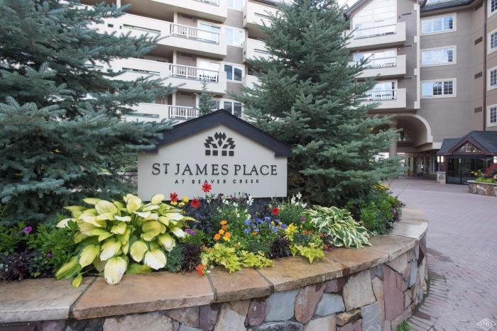 St. James Place #225, Beaver Creek / SOLD $875,000 / 11.12.19 (Buyer Represented) Photo: LIV SIR