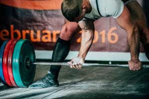 powerlifter wearing deadlift shoes