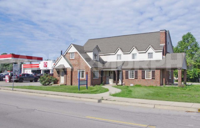 Exterior Building Image for 4,444 SF Office Building for Sale, 15 North Jefferson, Millstadt, IL 62260