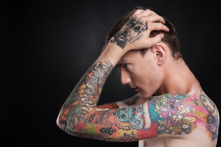 4 Dinge Die Dein Frisches Tattoo überhaupt Nicht Mag Barber Trends