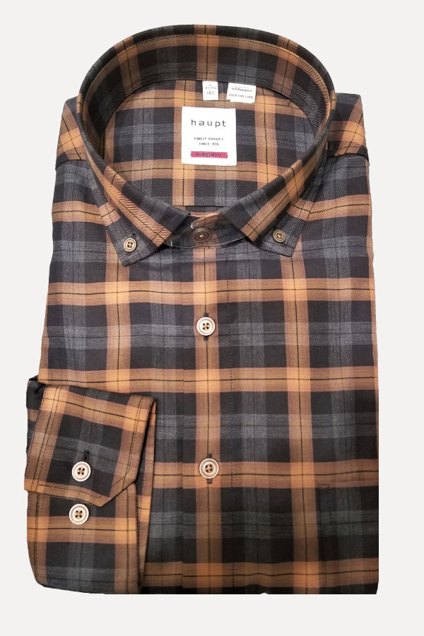 Haupt Shirt in Classic Button Down Model. 100% Cotton in Plaid design. Modern Fit.