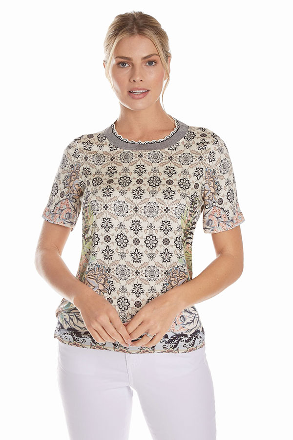 women's short sleeve printed knit top front