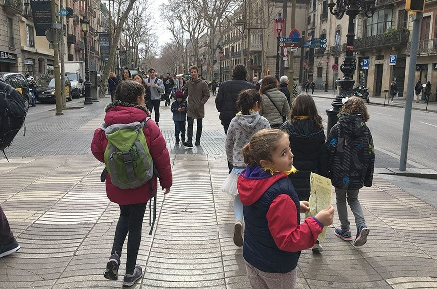 vivelus   gincana infantil buscadores dragones barcelona