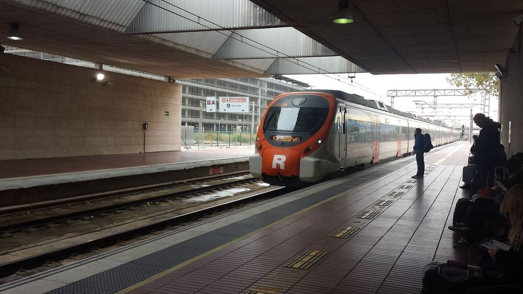 train el prat airport