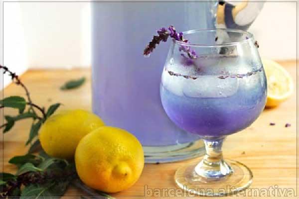 agua de lavanda con limón