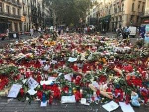 Bloemen op de Ramblas na aanslag
