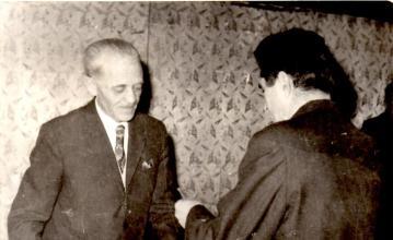 1971, szalagavató az Irinyi János Vegyipari Technikumban, Lini István igazgató úr és Szikszai József
