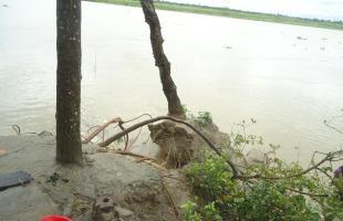 বিপন্ন মানিকগঞ্জের বিপ্র-বেতিলা গ্রাম